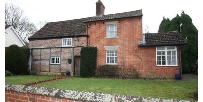 £900 per Calendar Month, 3 Bedroom Cottage House To Rent in Steeple Ashton, BA14