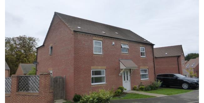 £1,350 per Calendar Month, 4 Bedroom Detached House To Rent in Birmingham, B31