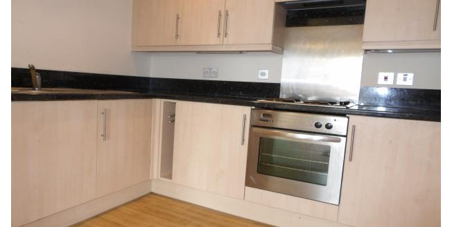 £550 per Calendar Month, 3 Bedroom Apartment To Rent in Bolton, BL1