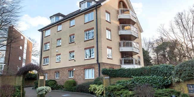 Asking Price £485,000, 2 Bedroom Flat For Sale in Beckenham, BR3