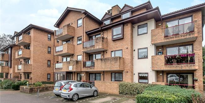 Asking Price £180,000, 1 Bedroom Flat For Sale in Bromley, BR2