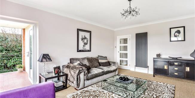 Asking Price £595,000, 3 Bedroom Flat For Sale in Beckenham, BR3