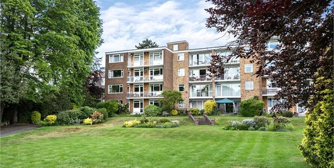 Asking Price £525,000, 3 Bedroom Flat For Sale in Beckenham, BR3