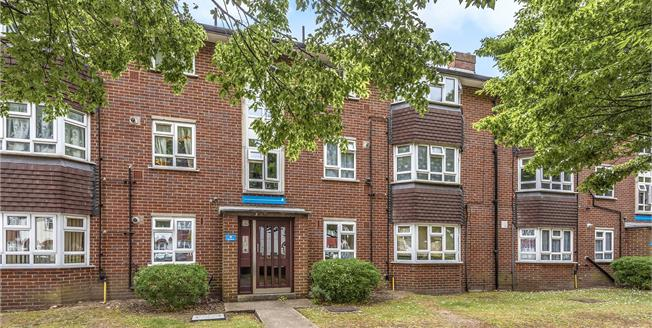 Asking Price £250,000, 1 Bedroom Flat For Sale in Beckenham, BR3