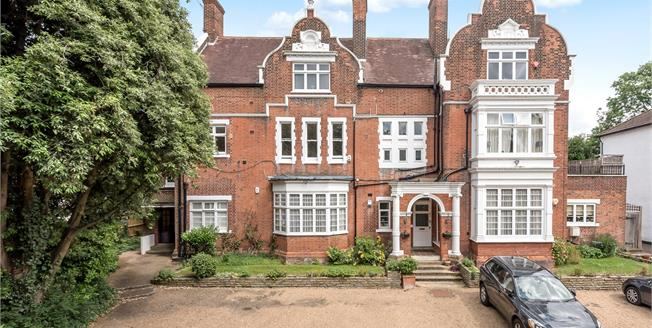 Asking Price £775,000, 2 Bedroom Flat For Sale in Beckenham, BR3