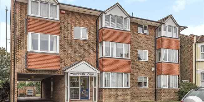 Asking Price £240,000, 1 Bedroom Flat For Sale in Beckenham, BR3