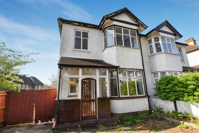 3 Bedroom House For Sale In Bromley For Guide Price 500 000