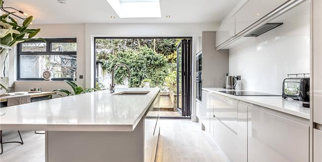 Guide Price £620,000, 5 Bedroom Semi Detached House For Sale in Bromley, BR2