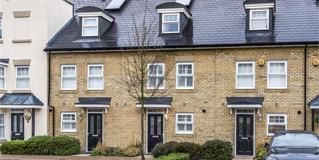 Guide Price £535,000, 3 Bedroom House For Sale in Bromley, BR2