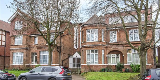 Guide Price £300,000, 1 Bedroom Flat For Sale in Bromley, BR1