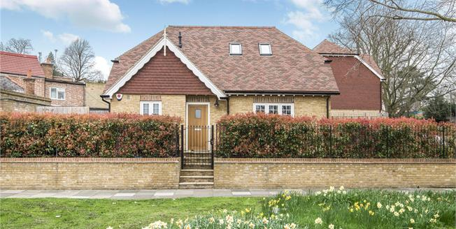Guide Price £595,000, 2 Bedroom Detached House For Sale in Bromley, BR1