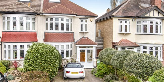 Asking Price £650,000, 3 Bedroom Semi Detached House For Sale in Bromley, BR2