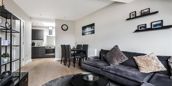 Asking Price £290,000, 1 Bedroom Flat For Sale in Bromley, BR1