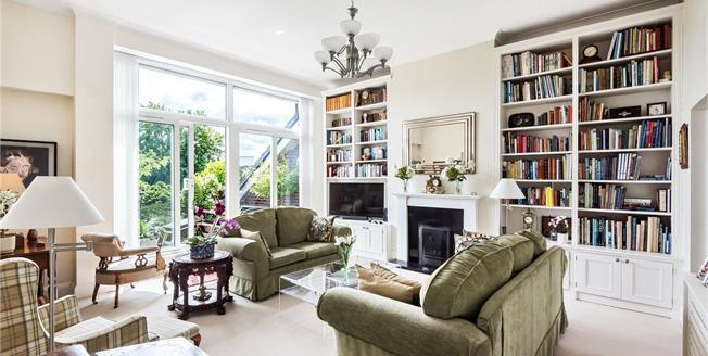 £625,000, 2 Bedroom Flat For Sale in BR2