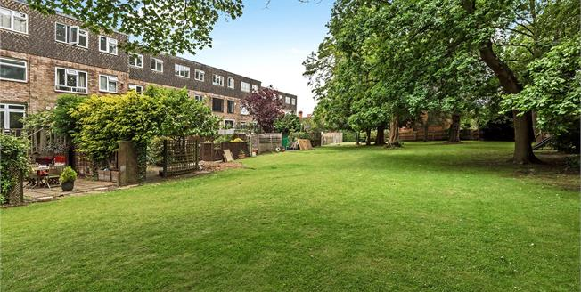 Guide Price £670,000, 4 Bedroom Terraced House For Sale in Bromley, BR1