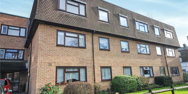 Guide Price £110,000, 1 Bedroom Flat For Sale in Bromley, BR1