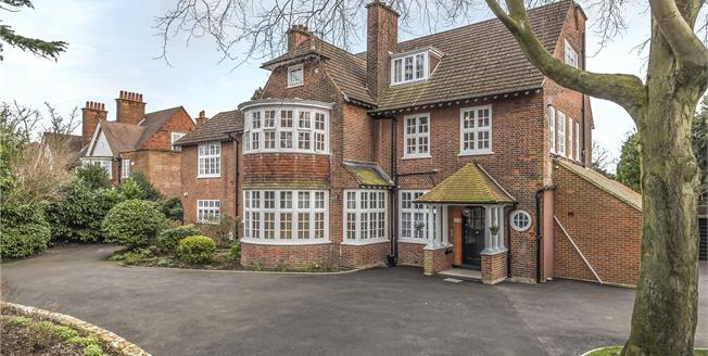 Offers Over £850,000, 4 Bedroom Flat For Sale in Bromley, BR1