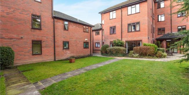 £215,000, 1 Bedroom Flat For Sale in Orpington, BR6