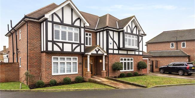 Asking Price £1,320,000, 5 Bedroom Detached House For Sale in Bromley, BR2