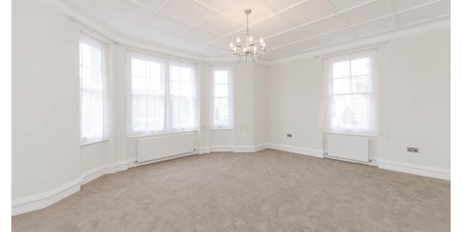 £3,098  per Calendar Month (Calculated), 3 Bedroom Apartment To Rent in London, W14