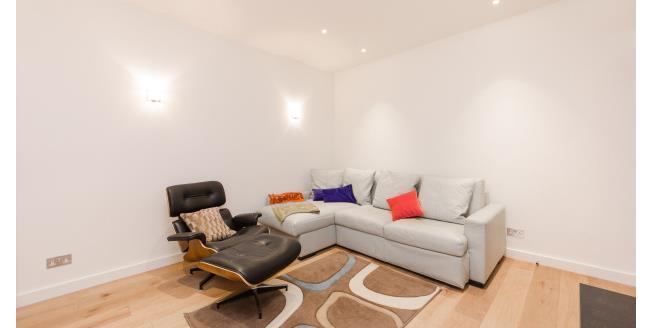 £3,141  per Calendar Month (Calculated), 3 Bedroom Flat To Rent in London, SW5