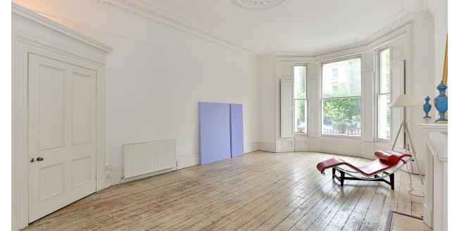 £5,200  per Calendar Month (Calculated), 3 Bedroom Maisonette Apartment To Rent in London, SW5