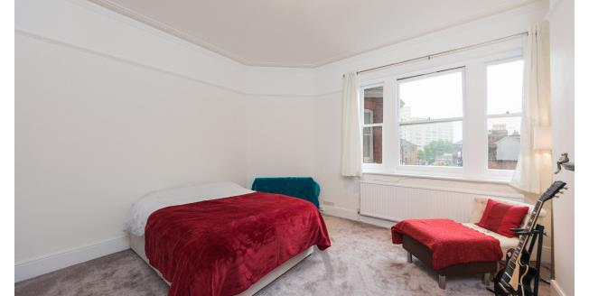 £2,383  per Calendar Month (Calculated), 3 Bedroom Apartment To Rent in London, SW11