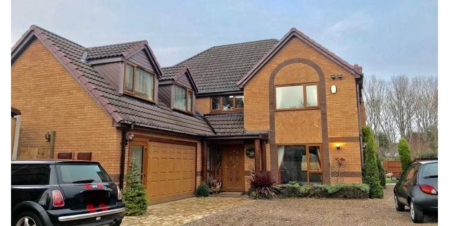 £1,300 per Calendar Month, 4 Bedroom House To Rent in Nottingham, NG2