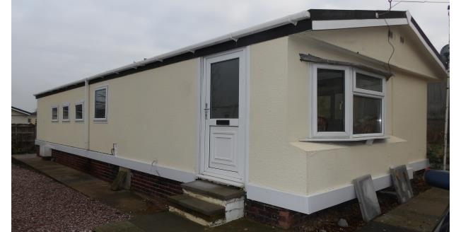 £575 per Calendar Month, 2 Bedroom Detached Bungalow To Rent in Chesterfield, S42