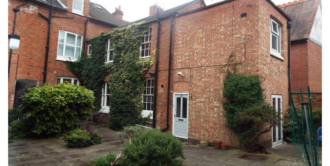 £600 per Calendar Month, 2 Bedroom Apartment To Rent in Leicester, LE2