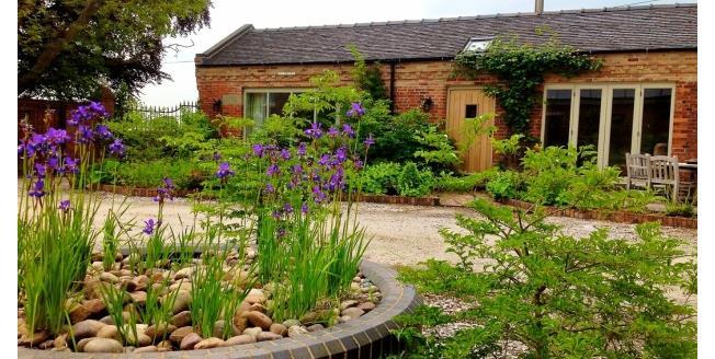 £795 per Calendar Month, 2 Bedroom House To Rent in Ashbourne, DE6