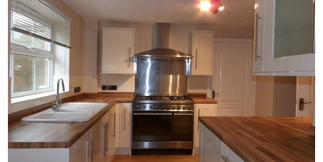 £795 per Calendar Month, 4 Bedroom House To Rent in Huthwaite, NG17