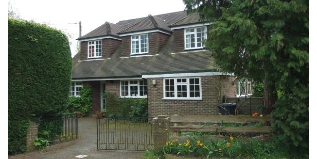 £1,550 per Calendar Month, 4 Bedroom Detached House To Rent in Heathfield, TN21