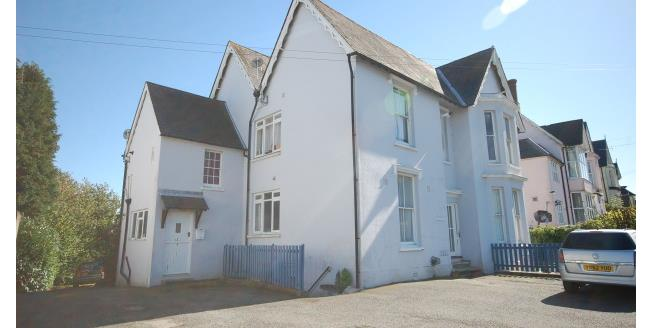 £850 per Calendar Month, 2 Bedroom Maisonette Apartment To Rent in Uckfield, TN22
