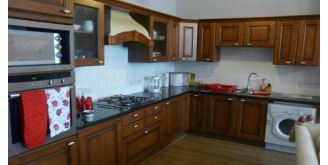 £750 per Calendar Month, 2 Bedroom Apartment To Rent in Plymouth, PL4