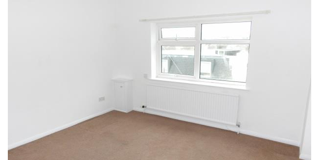 £650 per Calendar Month, 2 Bedroom Flat To Rent in Plymouth, PL1