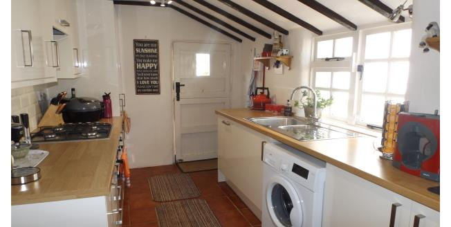 £900 per Calendar Month, 3 Bedroom Cottage House To Rent in East Budleigh, EX9