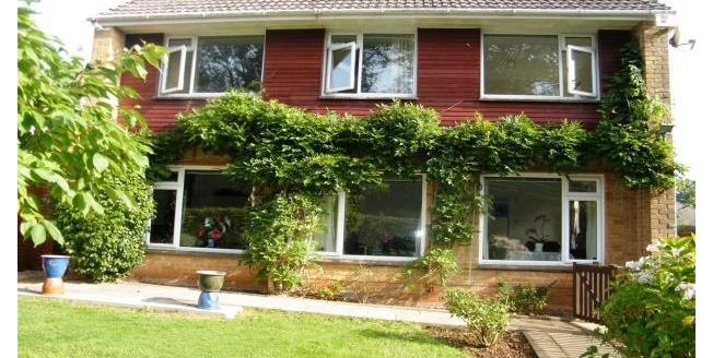 £900 per Calendar Month, 3 Bedroom Detached House To Rent in Seaton, EX12