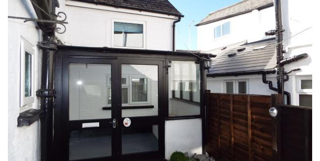 £650 per Calendar Month, 3 Bedroom Maisonette Apartment To Rent in Honiton, EX14