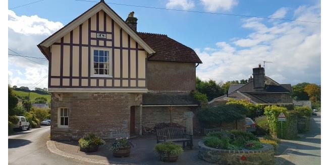 £1,300 per Calendar Month, 4 Bedroom Detached House To Rent in Totnes, TQ9