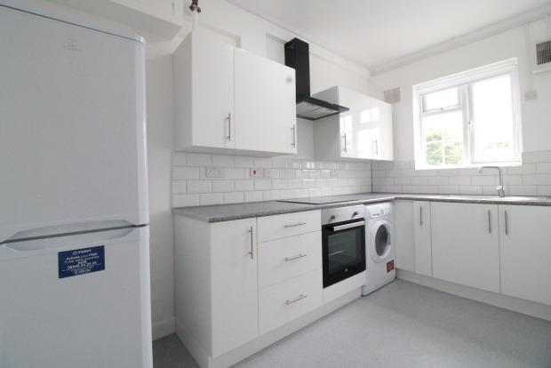Peachy 3 Bedroom Apartment To Rent In East Molesey For 1 300 Per Beutiful Home Inspiration Xortanetmahrainfo