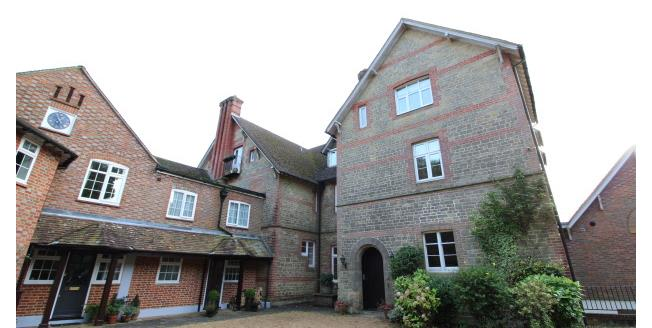 £1,200 per Calendar Month, 2 Bedroom Apartment To Rent in Haslemere, GU27
