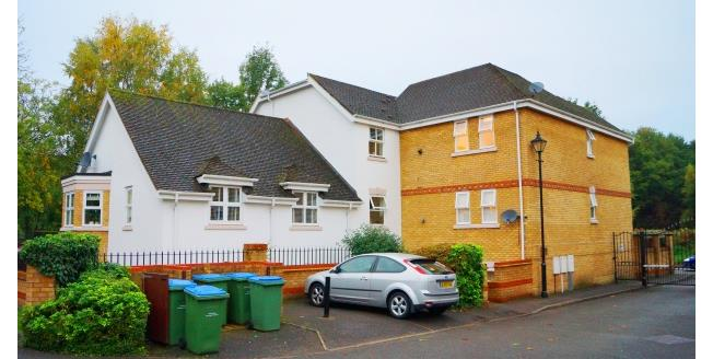 £1,195 per Calendar Month, 2 Bedroom Apartment To Rent in Cobham, KT11