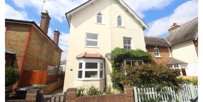 £1,650 per Calendar Month, 3 Bedroom House To Rent in Epsom, KT17