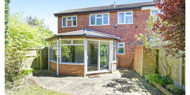 £1,850 per Calendar Month, 3 Bedroom House To Rent in Guildford, GU4