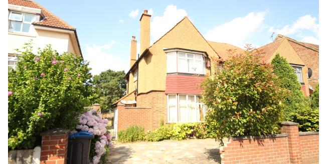 £1,595 per Calendar Month, 3 Bedroom Semi Detached House To Rent in Surbiton, KT6