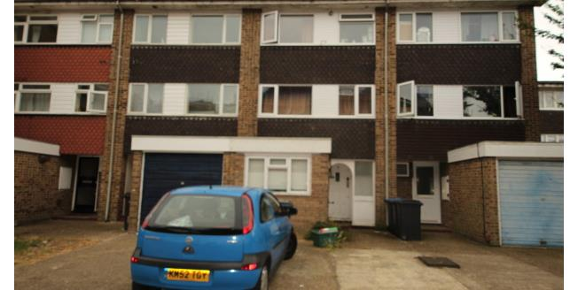 £3,000 per Calendar Month, 6 Bedroom Semi Detached House To Rent in Surbiton, KT5