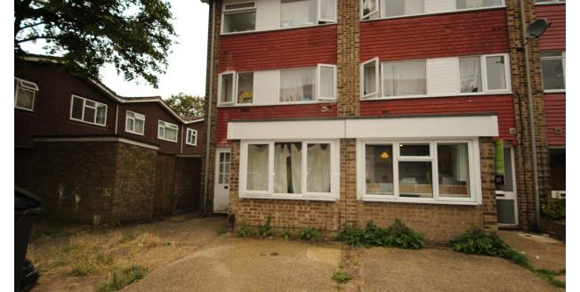 £3,000 per Calendar Month, 6 Bedroom Town House To Rent in Surbiton, KT5