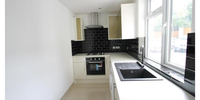 £1,170 per Calendar Month, 2 Bedroom Flat To Rent in Bromley, BR1