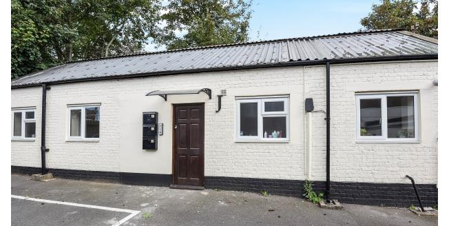 £770 per Calendar Month, Flat To Rent in Bromley, BR1